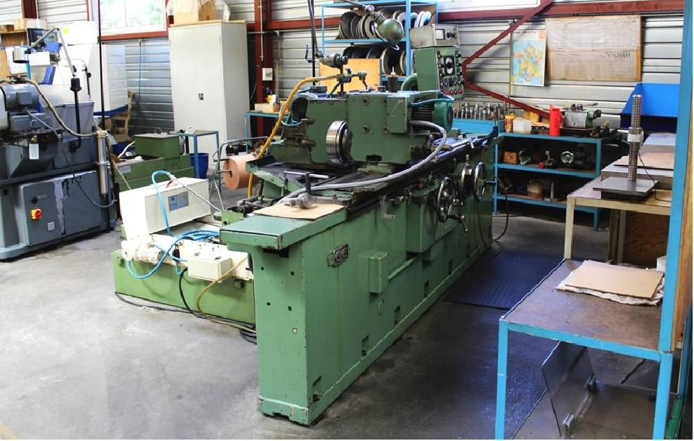 LOT OF GRINDERS AND HONES - 8 OFF MACHINES IN TOTAL