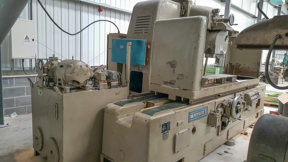 THOMPSON MATRIX SURFACE GRINDING MACHINE (2130 X 305MM)