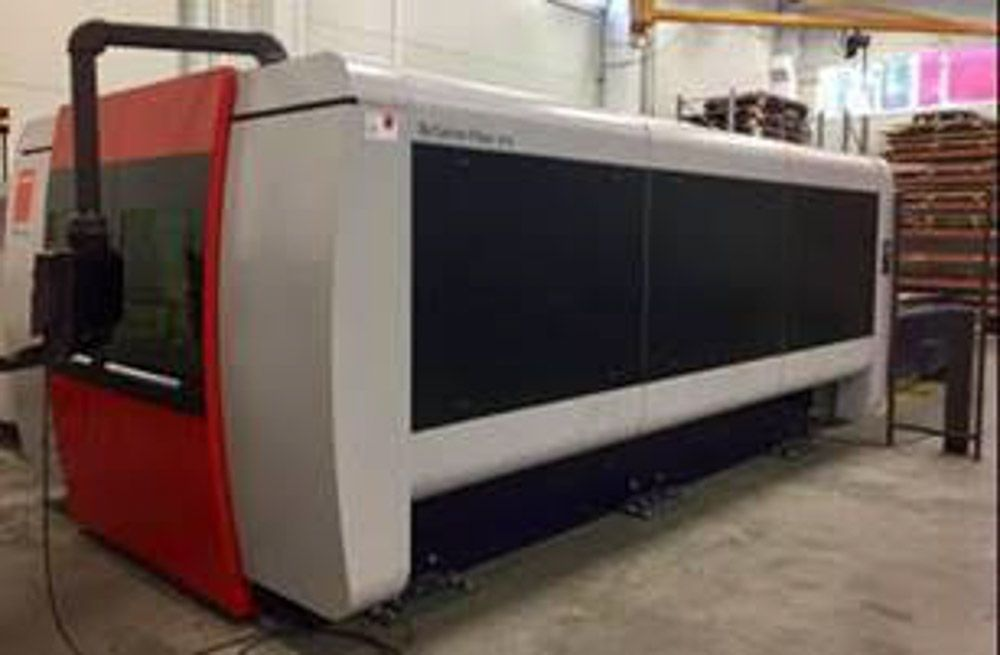 BYSTRONIC BYSPRINT FIBER LASER CUTTING MACHINE WITH AUTO FOCUS