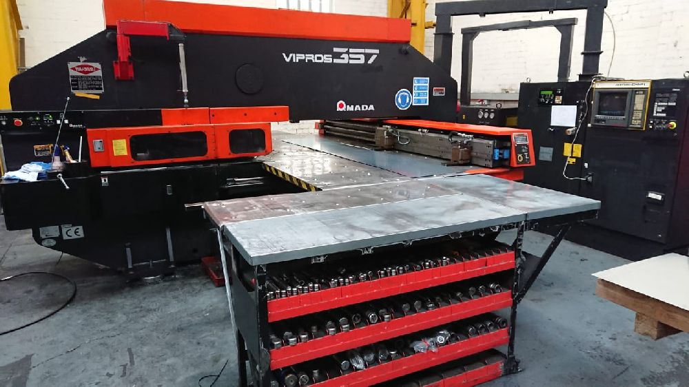 AMADA VIPROS 357 CNC TURRET PUNCHING MACHINE