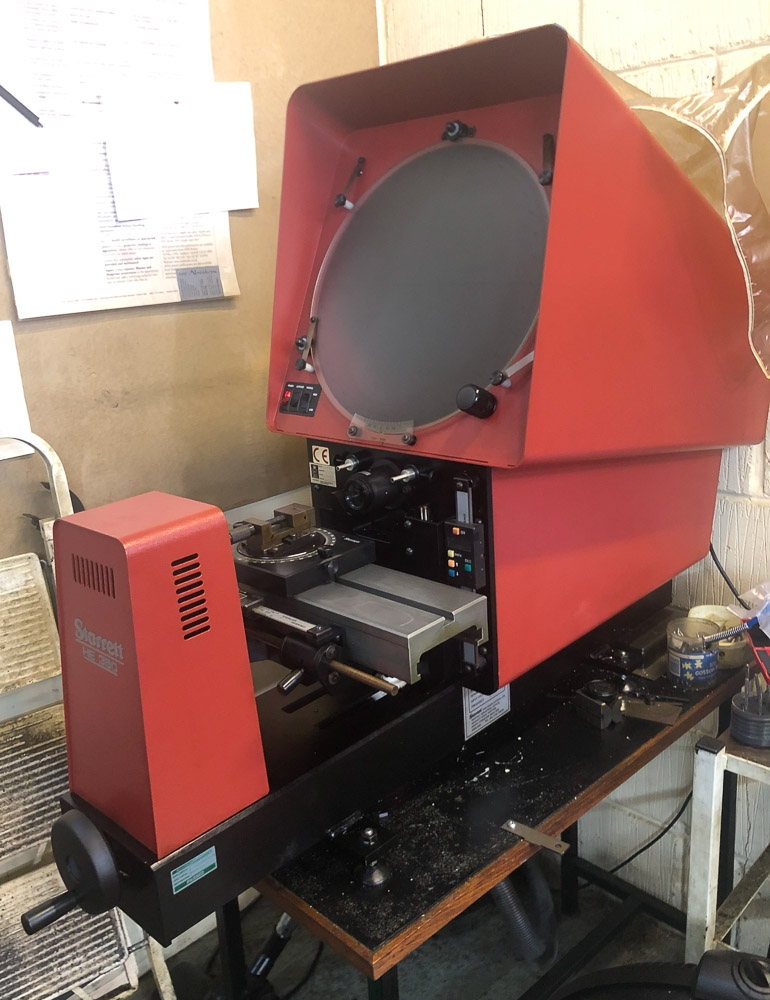 STARRETT HE-350 OPTICAL COMPARATOR PROFILE PROJECTOR